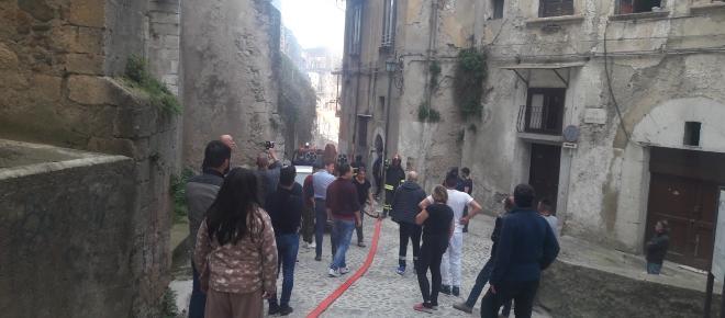 Centro storico di Cosenza in fiamme: l'epilogo dopo l'incendio
