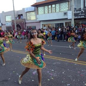 La juventud se vuelva a las calles para bailar y celebrar con júbilo el fin del invierno.