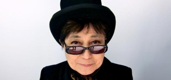 Yoko Ono convida brasileiras a enviarem relatos de violência