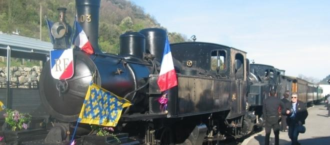 Le train de l'Ardèche et la Caverne du Pont d'Arc, moteurs français du tourisme
