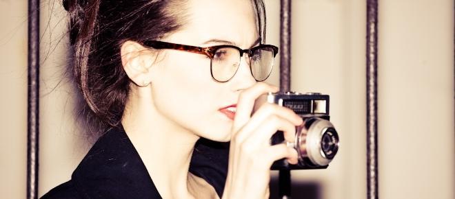 The hidden psychology of wearing specs
