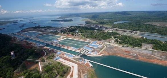Panama Canal - Wikipedia - wikipedia.org