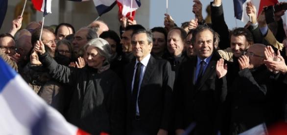 François Fillon : ce qu'il faut retenir de son discours au Trocadéro - rtl.fr