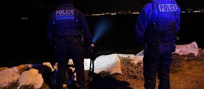 Marseille : la fillette emportée par une vague reste introuvable !