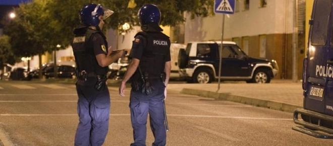 Os polícias muitas vezes são considerados heróis e vilões