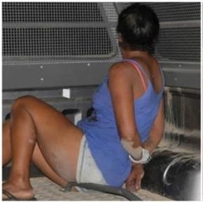 Mulher é presa por matar o esposo