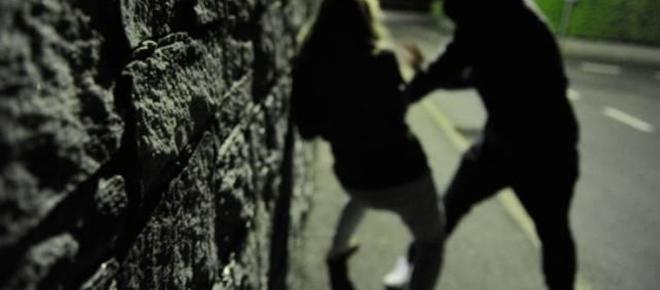 Palagonia: lei lo lascia, 16enne aggredita a calci e pugni