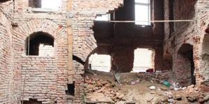 Cladire cazuta in urma cutremurului.