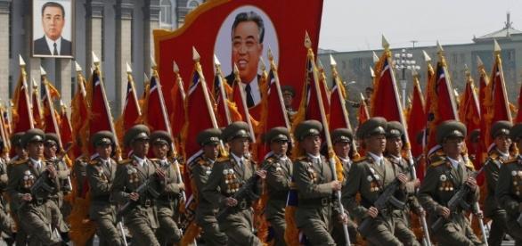 Défilé militaire en Corée du nord - lemonde.fr