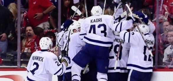 Los Maple Leafs dieron un golpe fuerte en Washington al empatar la serie NHL.com.