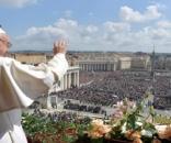 """O Papa argentino Francisco durante sua tradicional bênção """"Urbi et Orbi"""""""