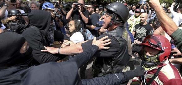 13 arrested in Berkeley pro and anti-Trump rallies - POLITICO - politico.com