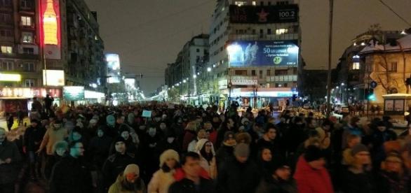 VIDEO Cel mai mare protest din ultimele doua decenii in Bucuresti ... - hotnews.ro