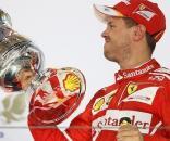 Sebastian Vettel se impuso a los dos pilotos de Mercedes