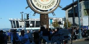 San Francisco tourists crowd Fisherman's Wharf on the city's northern shore in 2008. Photo: Nicholas A. Chadwick /Wikimedia Commons)