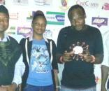 Le promoteur du FESTICO Engo Ferdinand en T-shirt noir et quelques acteurs de l scène cinématographique camerounaise