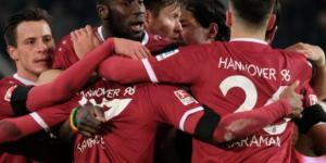 Freitagsspiele 2. Liga | 96 dreht das Spitzenspiel, St. Pauli ... - bild.de