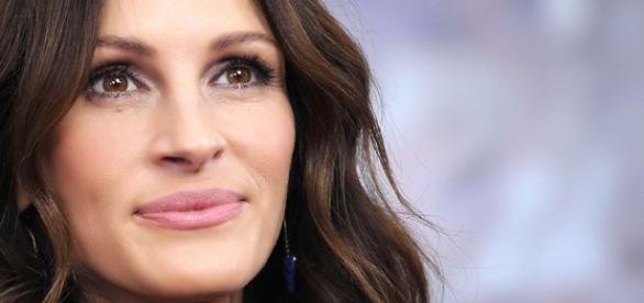 Julia Roberts Admits She Struggled Filming 'Secret In Their Eyes' - inquisitr.com