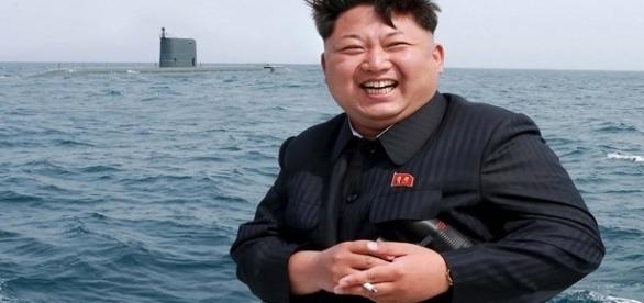 Ditador da Coreia do Norte possui hábitos estranhos e adora basquete americano.