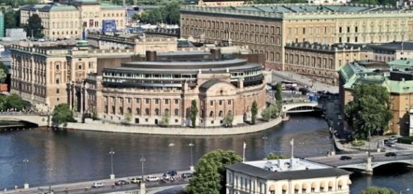 Governo da Suécia promete indenização a transexuais esterilizados forçosamente entre 1972 e 2013.