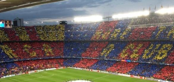 """La coreografia del Camp Nou, """"More than a club""""."""
