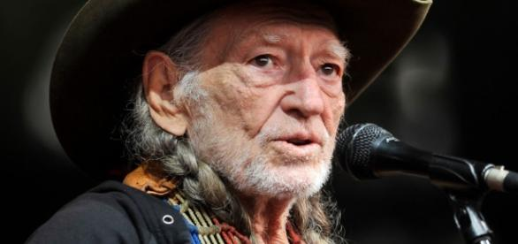 Willie Nelson still has a story to continue in song, and no plans to leave the stage. ... - mysanantonio.com