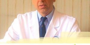 Nella foto il Dott Roberto Gava con sotto l' hashtag #IoStoConGava