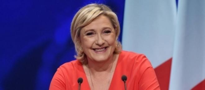 Marine Le Pen adopte un ton moins sulfureux