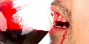 Saiba o que acontece com seu corpo se você beber sangue