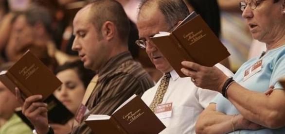 ANTENA 3 TV   Los Testigos de Jehová, prohibidos en Rusia por ser ... - antena3.com