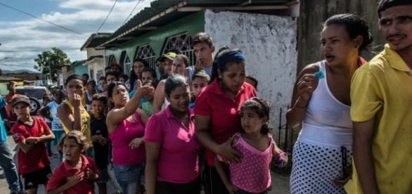 Venezuela firmó pacto Internacional de derechos civiles. Fotografía: Fila para conseguir comida en Cumana, Venezuela. Cortesía ONU.