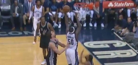 Zach Randolph in action, Youtube, NBA channel https://www.youtube.com/watch?v=NSMrV4WrmIM