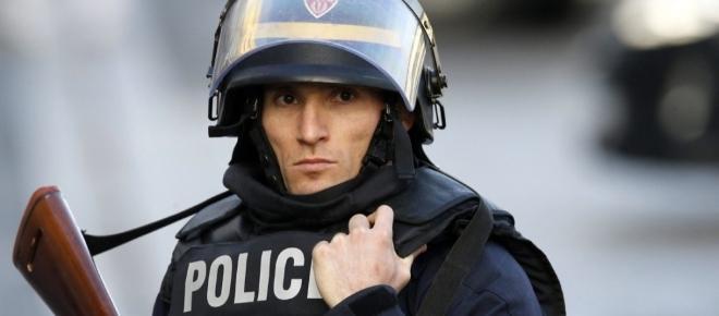 Parigi nuovo attacco terroristico ieri notte 20/4: Isis rivendica attentato