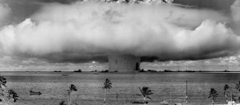 Teste nuclear no Atol de Bikini (Operação Crossroads - 25 de julho de 1946)