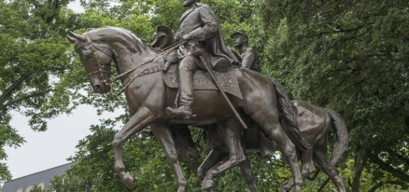 Don't tear down Confederate monuments – do this instead - reuters.com