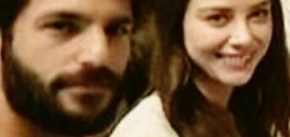 Serkan Cayoglu e la fidanzata Ozge rendono felici i loro fan, ecco perché
