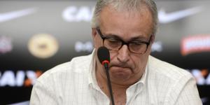 Roberto de Andrade confirma possível saída do meia-atacante Guilherme