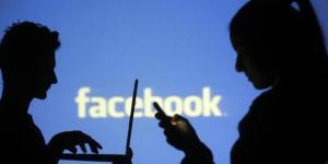 Uccide la figlia in diretta Facebook