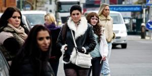 Wir sind die Frauen, die keiner mehr sehen soll – B.Z. Berlin - bz-berlin.de