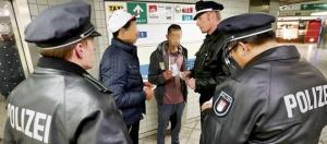 Kriminalität: Polizei nimmt junge Flüchtlinge ins Visier - Hamburg ... - bild.de