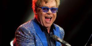 """Elton John annulla i concerti: """"Ha rischiato di morire"""""""