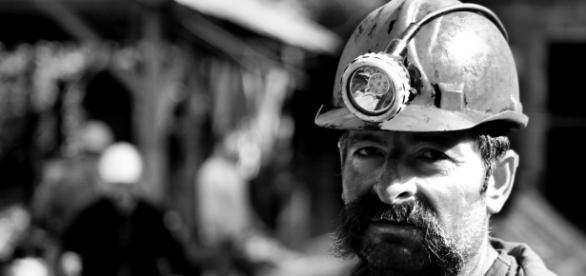 coal miner tunaolger, pixabay.com, CC0