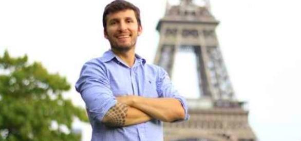 Empreendedor digital já viajou 40 países e vai levar um brasileiro para viajar com ele
