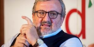 Michele Emiliano attacca Renzi alla vigilia delle Primarie PD (Foto: panorama.it)