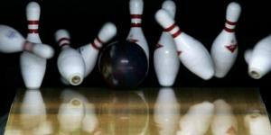 New York bowler rolls perfect game in 86.9 seconds - Photo: Blasting News Library - news965.com