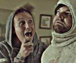 """Papa Roach y el conejito depresivo de su nuevo sencillo """"Help"""""""