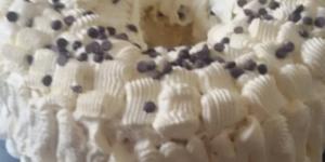 Chiffon cake arancia e gocce di cioccolato