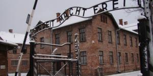 I cancelli di Auschwitz, il più tristemente celebre tra i campi di sterminio nazisti