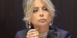 Marina Berlusconi difende il padre