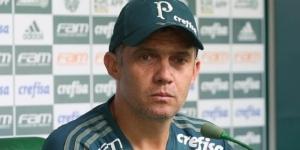 Técnico palmeirense Eduardo Baptista soltou o verbo em coletiva de imprensa.